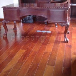 Sàn gỗ tự nhiên Căm Xe Lào 900mm